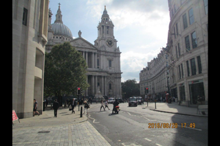 St. Paul's Cathedral is very large and very beautiful!