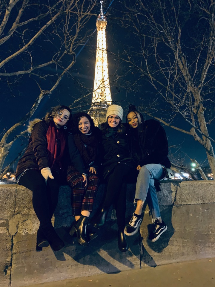 USF Dance in Paris, Here Icome!